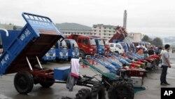 지난해 8월 북한 라선 경제특구에서 열린 국제무역박람회에 중국 트랙터 제조 업체가 참가했다.