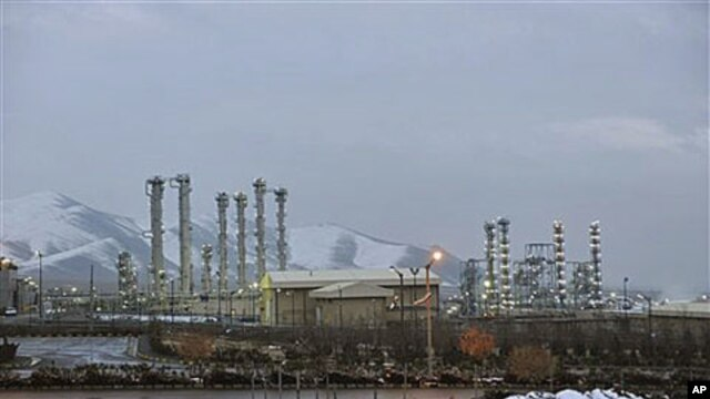 A view of Iran's heavy water nuclear facilities near the central city of Arak, January 15, 2011 (file photo)