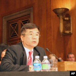 骆家辉回答议员问题