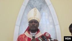 Angola Arcebispo Lubango Dom Gabriel Mbilingui