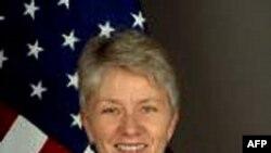 Trợ lý Ngoại trưởng Kerri-Ann Jones, Đại diện Đặc biệt của Hoa Kỳ về Cúm Gia cầm và Cúm Đại dịch