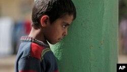 Los menores describieron abusos frecuentes a manos de los militantes, que utilizaron una manguera y cable eléctrico para administrar palizas.