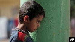 Kobani'den Türkiye'ye kaçan bir Kürt çocuk