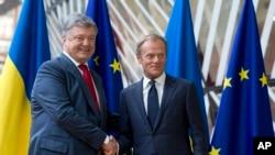 Председатель ЕС Дональд Туск и президент Украины Петр Порошенко. Брюссель. 9 июля 2018 г.