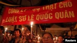 Para aktivis anti-korupsi berunjuk rasa di Hanoi, Vietnam (Foto: dok).