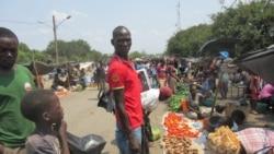 Vendedores ambulantes lutam pela vida em Moatize