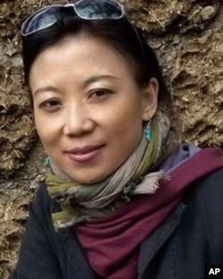 西藏知名女作家唯色