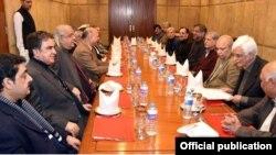 وزیراعظم شاہد خاقان عباسی کی پارلیمانی رہنماؤں سے ملاقات