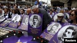 Faollar usmoniylar davridagi armanlar o'limini xotirlamoqda, Istanbul, Turkiya, 2016-yil, 24-aprel.