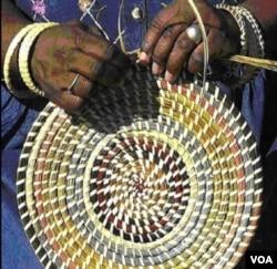 Narod Gullah je poznat po pletenju korpi