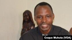 Padre Quintino Kandanji, director da Rádio Ecclesia, Angola