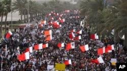 巴林当局被指今年春天用大规模逮捕和残忍的武力对付抗议者。图为巴林3月15日发生的反政府抗议活动。
