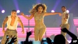 Jennifer López será reconocida por sus dos décadas de trayectoria musical en la próxima ceremonia de los Premios MTV a los Videos Musicales (VMA).