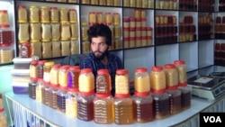 در سراسر این افغانستان حدود ۲۳۷ هزار صندوق زنبور عسل وجود دارد.