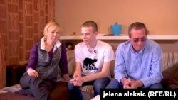 Porodica Onopriev usvom domu u Staroj Pazovi