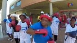 Idosas lutam boxe para combater o envelhecimento na África do Sul