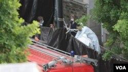 La fosa en la que se encontraron los cadáveres fue ubicada bajo la terraza dijo el fiscal.