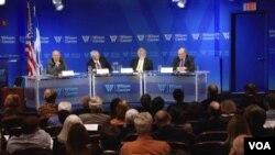 برخی از کارشناسان و مقامات پیشین آمریکا در نشست مرکز «وودرو ویلسون» در واشنگتن