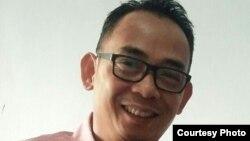 Eko Kuntadhi, warga Indonesia yang senang melempar humor politik di media sosial.