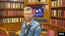 中国著名左派学者司马南在美国之音接受采访