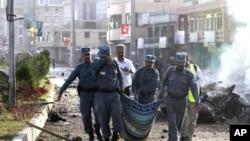 افغانستان: دو سرکاری عہدے دار اور چار شورش پسند ہلاک