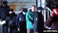 ရုရွားအတုိက္အခံ Navalny အဖမ္းခံရ
