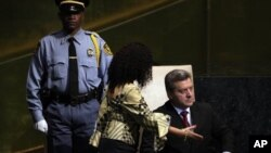 Во очекување на својот ред на говорницата: претседателот на РМ Ѓорге Иванов пред обраќањето на Генералното собрание на ОН
