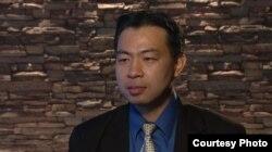 Тоні Єнґ, експерт із правових питань і політики охорони здоров'я