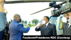 Président Denis Sassou N'Guesso ayambami na mokokani wa ye ya RDC Félix Tshisekedi na jardin ya palais de la Nation na Kinshasa, le 14 septembre 2020. (Facebook/Présidence RDC)