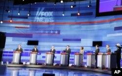 Les candidats en plein débat