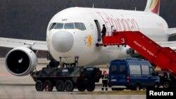 17일 스위스 제네바 공항에 납치된 에티오피아항공 소속 여객기가 착륙해 있다.