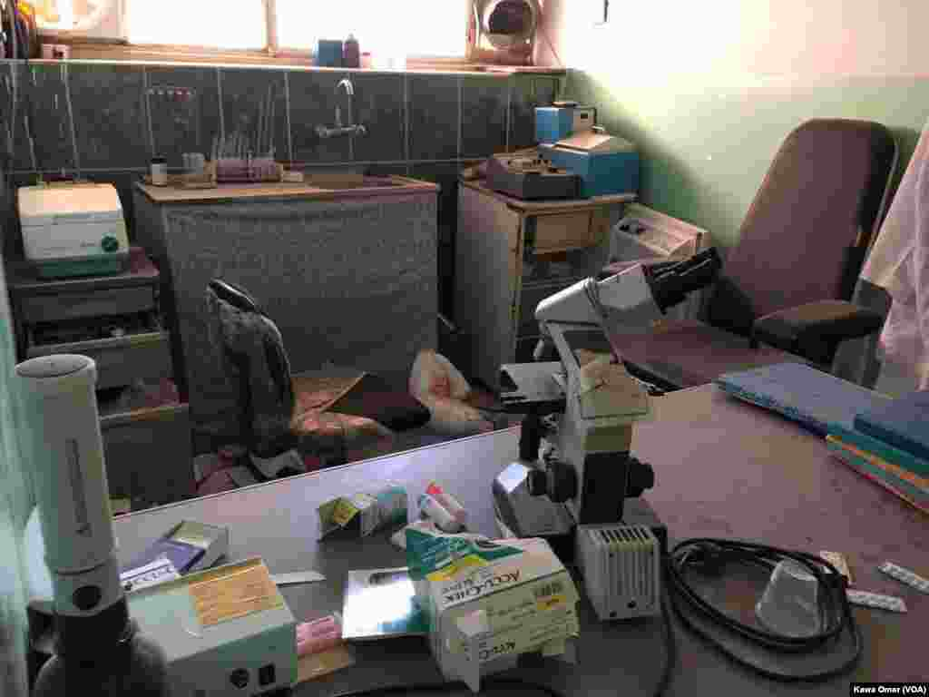 موصل میں ایک یونیورسٹی کے کمرے کا ایک منظر۔