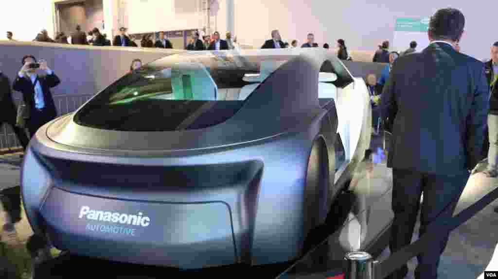 نمایشگاه محصولات الکترونیکی CES نمایی دیگر از خودروی بدون راننده پاناسونیک