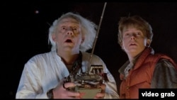 """Doktor"" Emmett Brown ve Marty McFly"