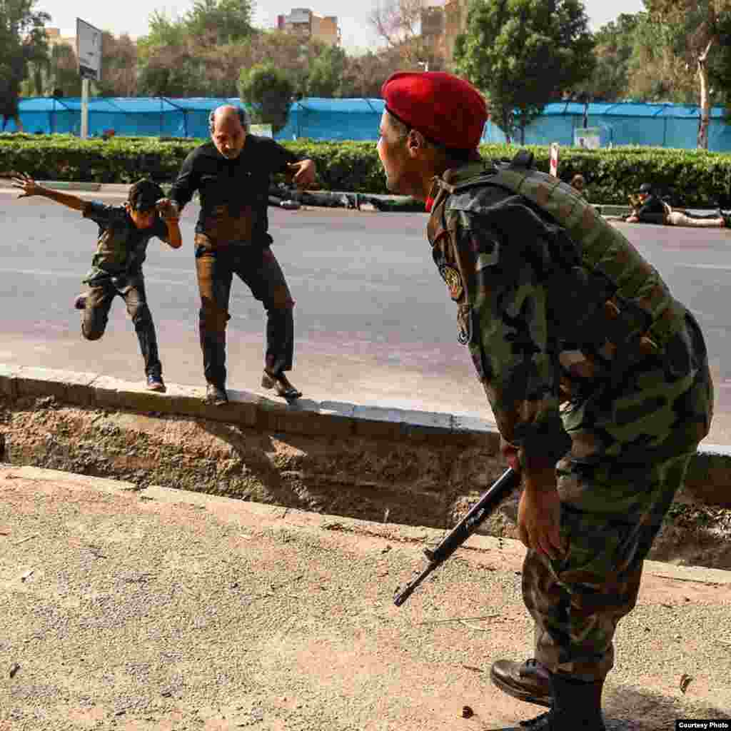 گروه دولت اسلامی یا داعش حملۀ روز شنبه (۲۲ سپتمبر) بر مراسم رسم گذشت را بر عهده گرفت