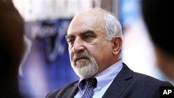 Paruir Airikian, satu dari delapan kandidat Presiden Armenia, ditembak oleh orang tak dikenal, Kamis malam (31/1) di Yerevan, ibukota Armenia.