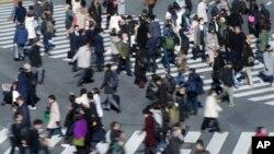 Dân số thế giới có thể lên gần 9,7 tỉ người vào khoảng năm 2064 theo ước tính được đăng trên tạp chí The Lancet.