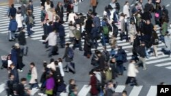 The world's population may top out at roughly 9.7 billion around 2064,according to a new study.