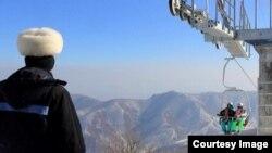 북한 원산의 마식령 스키장 정경. 미국 AP통신의 진 리 전 평양지국장이 지난달 말 스키장 방문 당시 찍은 사진. (자료사진)