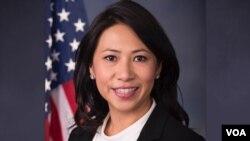 Bà Murphy, có tên tiếng Việt là Đặng Thị Ngọc Dung, sẽ là dân biểu Quốc hội gốc Việt đầu tiên tái đắc cử với chiến thắng mới nhất này ở Địa hạt Quốc hội 7 thuộc miền trung bang Florida, Mỹ.