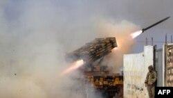 Запуск ракеты по позициям правительственных сил