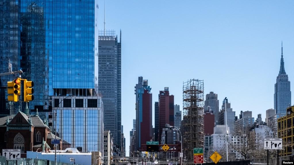 """新冠病毒死亡激增,纽约""""与时间赛跑"""""""
