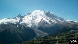 美國西部的華盛頓州的雷尼爾峰