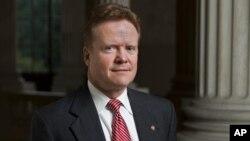 Cựu thượng nghị sĩ bang Virginia Jim Webb.