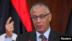 Thủ tướng Libya tại một cuộc họp báo tại trụ sở của Văn phòng Thủ tướng Chính phủ tại Tripoli.