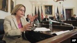 La legisladora republicana, Ileana Ros-Lehtinen, junto a otro grupo de congresistas estadounidenses, prepara un proyecto de ley para sancionar a funcionarios venezolanos que sería presentado en el Congreso esta próxima semana.