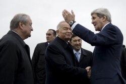 Kerri Samarqandda Karimov, mintaqa tashqi ishlar vazirlari bilan uchrashdi - Malik Mansur