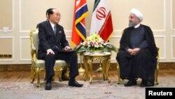 عکسی از دیدار مقام عالی کره شمالی با حسن روحانی.