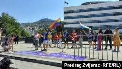 Organizatori šalju poruke na kraju treće Bh. povorke ponosa, Sarajevo, 14. august 2021.