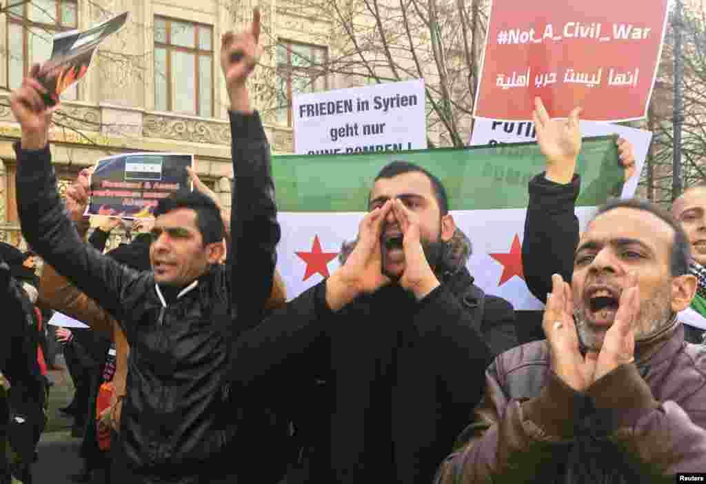 تظاهرات علیه مداخله روسیه در جنگ سوریه،بیرون سفارت روسیه در برلین آلمان.